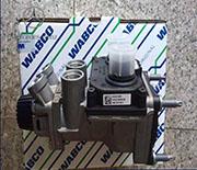 奔驰泵车刹车总泵