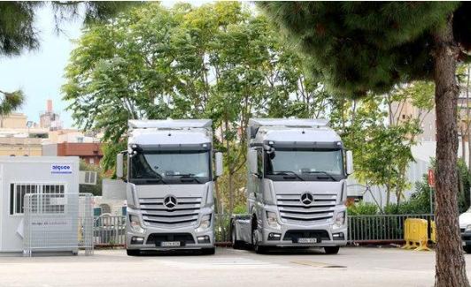 奔驰卡车:两年前已开始售国四标准产